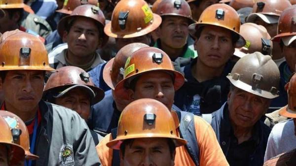 جریمه استفاده از کارگر خارجی, شغل تعيين شده در پروانه کار اقدام کند، به ۵ برابر