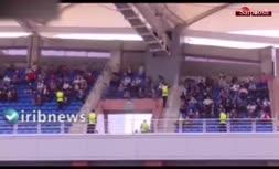 حضور عجیب تماشاگران در ورزشگاه امام رضا (دیدار پرسپولیس - پدیده)