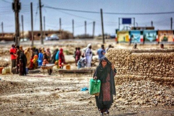 بحران آب در ایران,صفهای طولانی مردم برای تهیه آب شرب