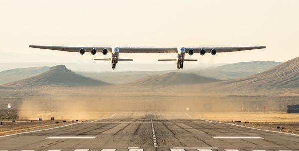 پرواز موفقیتآمیز بزرگترین هواپیمای جهان,هواپیما استراتولانچ