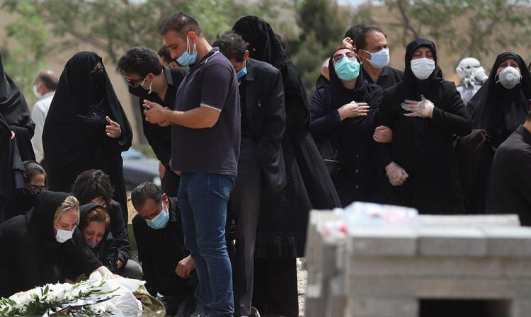 تصاویر تراژدی پیک چهارم کرونا در تهران,عکس های وضعیت کرونا در تهران,تصاویری از فوت شدگان کرونایی در تهران