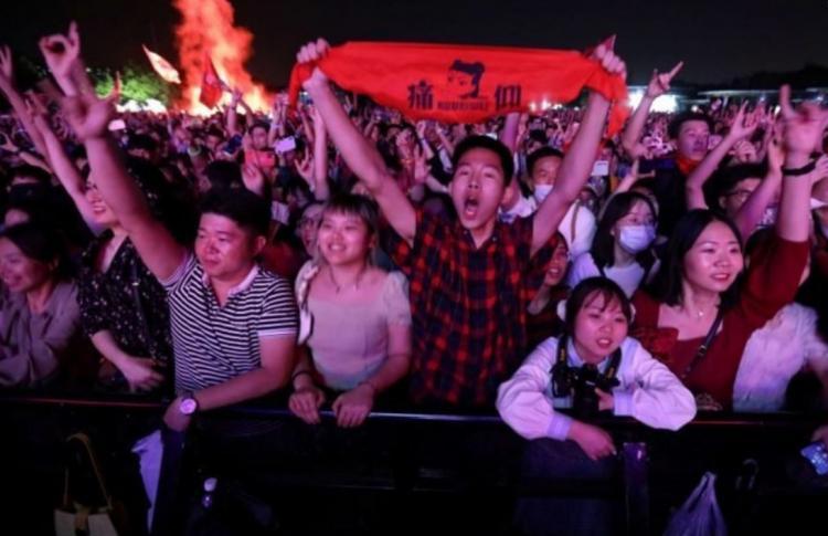 تصاویر جشنواره موسیقی پرشور در ووهان چین,عکس های جشنواره موسیقی در چین,تصاویر جشنواره موسیقی در کشور چین