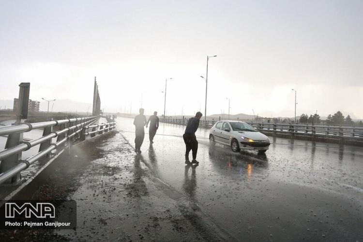 تصاویر بارش باران در اصفهان,عکس های بارش های باران بهاری در اصفهان,تصاویری از بارش باران در اصفهان