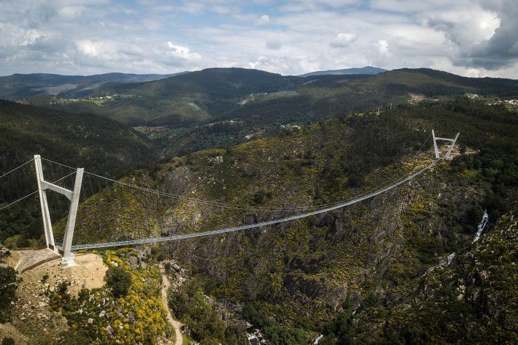 تصاویر افتتاح طولانیترین پل معلق جهان در پرتغال,عکس های طولانیترین پل معلق جهان,تصاویر پل طولانی در پرتغال