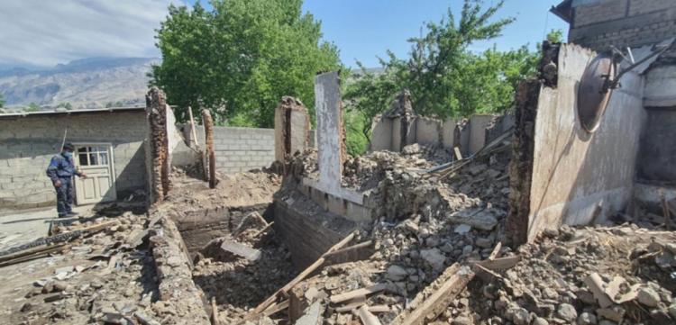 تصاویر خسارات درگیری بین تاجیکستان و قرقیزستان,عکس های جنگ تاجیکستان و قرقیزستان,تصاویر جنگ تاجیکستان و قرقیزستان