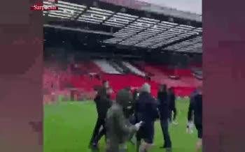 ورود هواداران خشمگین شیاطین سرخ به ورزشگاه/ دیدار منچستریونایتد و لیورپول لغو شد