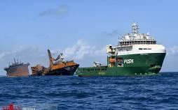 تصاویر غرق شدن کشتی باری در سریلانکا,عکس های غرق شدن کشتی باری در سریلانکا,غرق کشتی باری در سریکلانکا