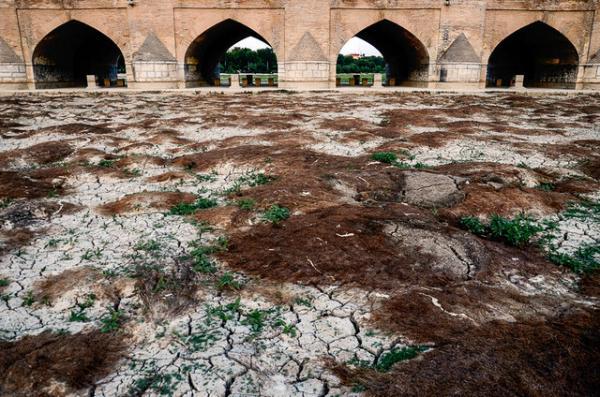 خشکسالی زایدنه رود و اصفهان,کم آبی در اصفهان