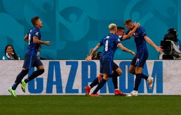 دیدار تیم ملی اسلواکی و لهستان,یورو 2020