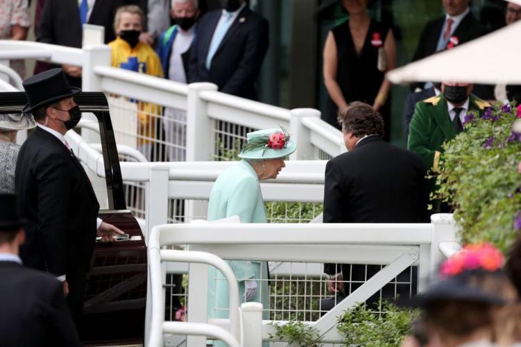 تصاویر حضور ملکه انگلیس در مسابقه اسب دوانی,عکس های ملکه انگلیس در مسابقه اسب سواری,تصاویر ملکه انگلیس در مسابقات اسب سواری