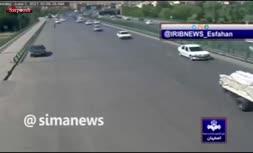 فیلم/ سقوط پرايد از روی پل وحید در اصفهان