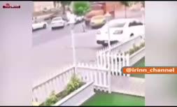 فیلم/ تصادف کامیون با 4 خودرو و تیر برق در رشت