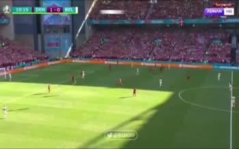 فیلم/ حمایت ویژه طرفداران و بازیکنان دانمارک و بلژیک از اریکسن