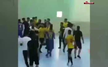 فیلم/ درگیری شدید تیم فوتسال تهران و شاهرود در زابل