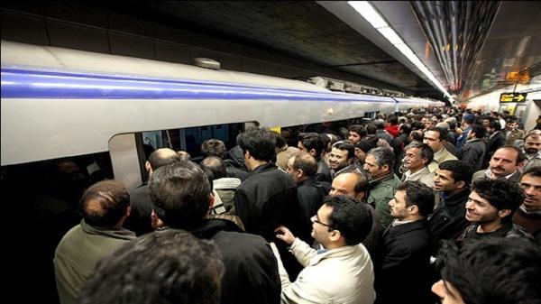 علت ازدحام مسافران مترو اعلام شد,شعار در مترو