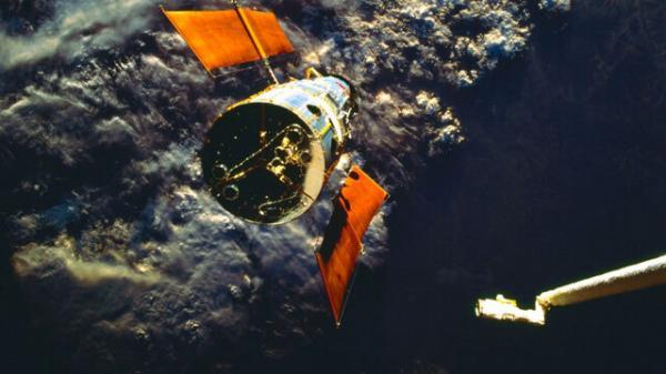 تلسکوپ فضایی هابل,علت خرابی تلسکوپ فضایی هابل