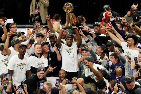تیم بسکتبال میلواکی باکس,قهرمانی تیم بسکتبال میلواکی در NBA