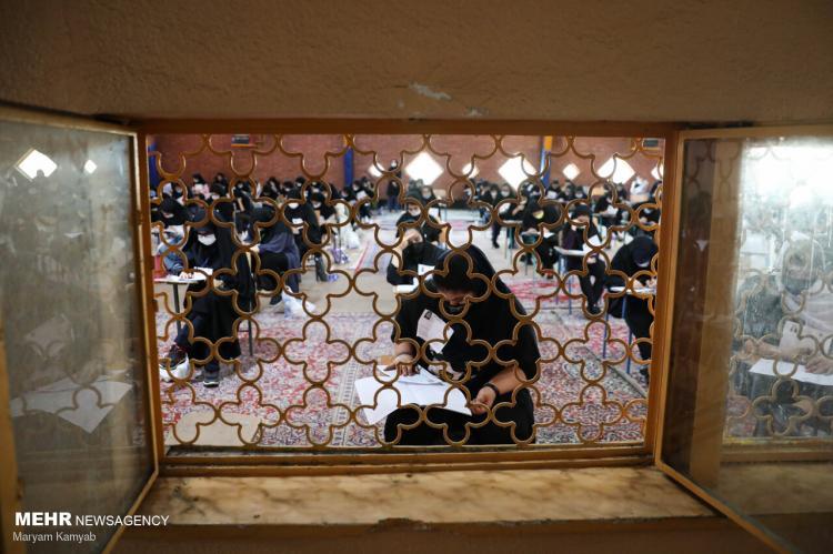 تصاویر کنکور سراسری علوم تجربی ۱۴۰۰,عکس های کنکور تجربی,تصاویری از کنکور تجربی در تهران