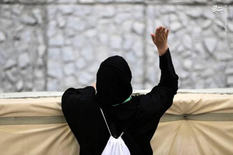 تصاویر پرتاب سنگ حجاج به شیطان در رمی جمرات,عکس های مراسم رمی جمرات,تصاویر مراسم رمی جمرات حجاج عربستانی