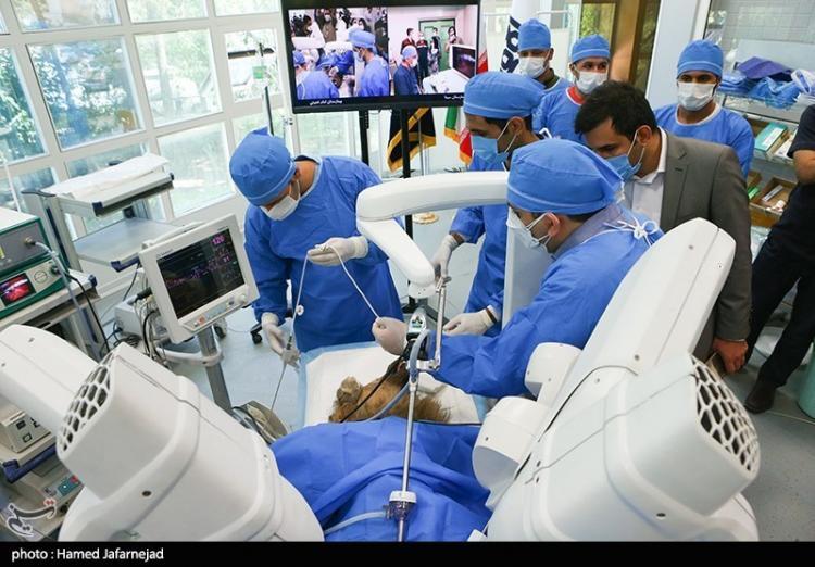 تصاویر عمل جراحی رباتیک درا یران,عکس های اولین عمل جراحی رباتیک در کشور ایران,تصاویر عمل جراحی رباتیک