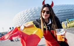 عکس های هواداران یورو 2020,تصاویر طرفداران فوتبال در یورو 2020,تصاویر هواداران فوتبال در نیمه نهایی یورو 2020