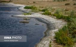 تصاویر تالاب گاوخونی,عکس های خشکسالی تالاب گاوخونی,تصاویری از خشک شدن تالاب گاوخونی