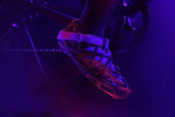 کفش,کفش بازیافتی با فیبر کربن و چاپگر سه بعدی