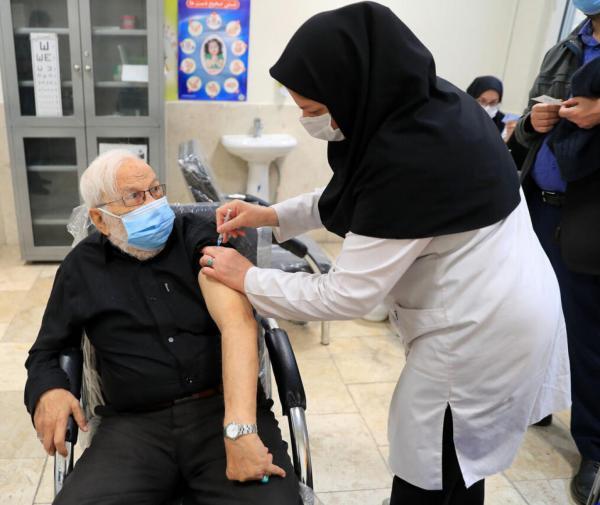 واکسن کرونا,واکسیناسیون برای افراد بالای ۵۵ سال