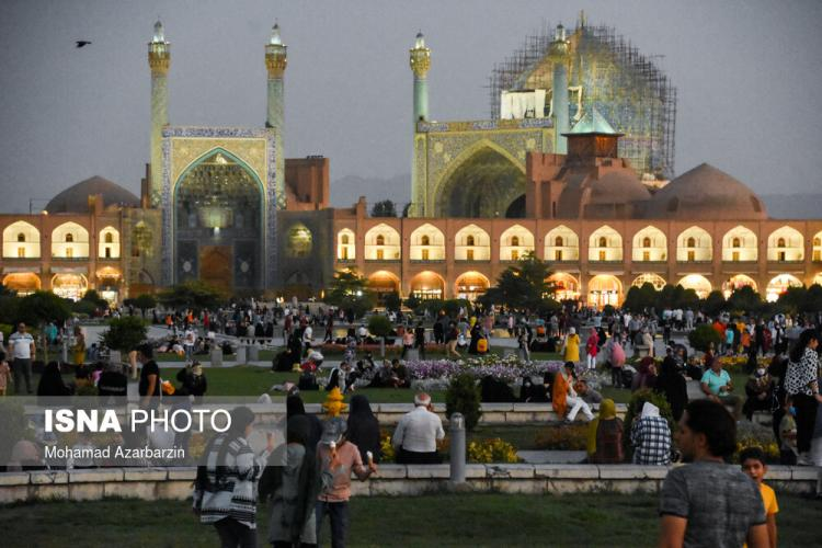 تصاویر مردم اصفهان در اوج کرونا,عکس های اصفهان در آغوش پیک پنجم کرونا,تصاویری از مردم اصفهان در وضعیت کرونا