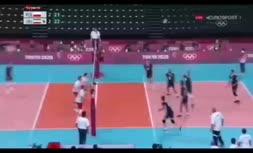 فیلم/ فریادهای معنادار موسوی پس از پیروزی مقابل لهستان و نگاه کوبیاک و یارانش به خوشحالی بازیکنان