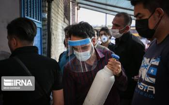 تصاویر تامین کپسولهای اکسیژن برای بیماران کرونایی در مشهد,عکس های بیماران کرونایی مشهد,تصاویر اکسیژن برای بیماران کرونایی