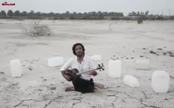 فیلم/ ساز زدن هنرمندان با دبههای خالی از آب در خوزستان