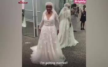فیلم/ تحقق آرزوی پوشیدن لباس عروس، ۶۹ سال پس از ازدواج
