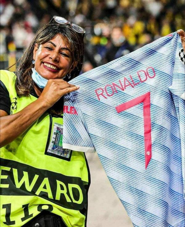 دلجویی رونالدو,ضربه رونالدو به پلیس
