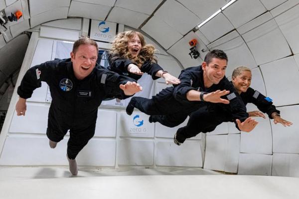 سفر 4 فضانورد آماتور با یک ماموریت خصوصی به فضا,سفر به فضا