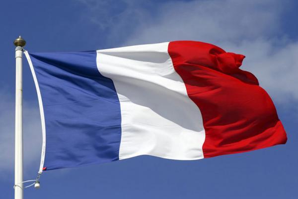 واکنشها به معاهده تسلیحاتی آمریکا انگلیس و استرالیا,واکنش فرانسه به معاهده تسلیحاتی