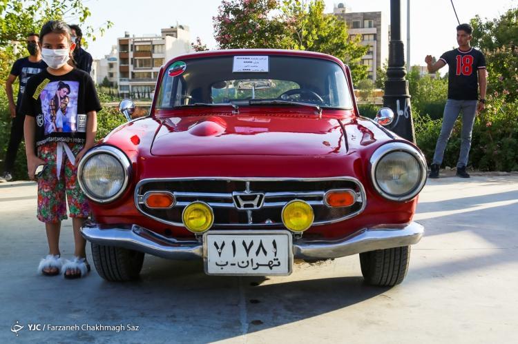 تصاویر نمایش خودروهای کلاسیک در شیراز,عکس های خودروهای قدیمی در شیراز,تصاویری از خودروهای قدیمی در شهر شیراز