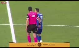 فیلم/ حرکت عجیب داور در یک مسابقه فوتبال