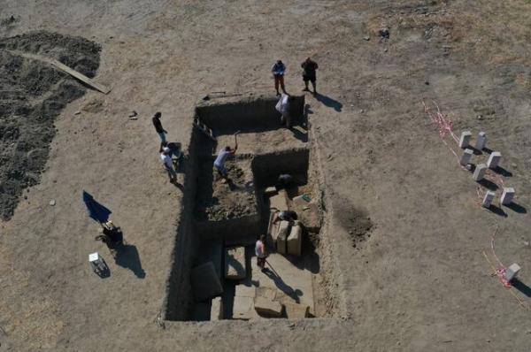 معبد زئوس,شهر تاریخی «مگنسیا» (Magnesia)