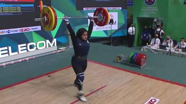 یکتا جمالی,کاپیتان تیم وزنه برداری دختران ایران