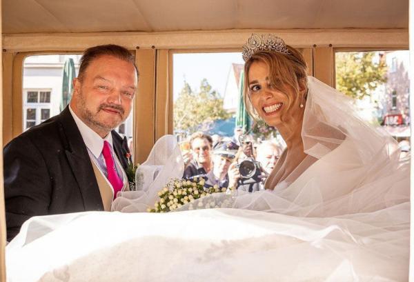 ازدواج شاهزاده آلمانی با پیانیست ایرانی,الکساندر سو شامبورگ لیپه و مهکامه نوابی