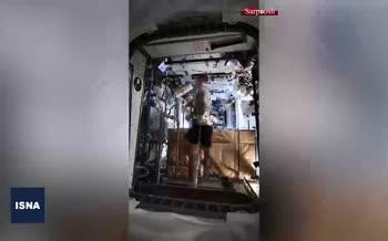 فیلم/ دویدن فضانورد ایستگاه فضایی بینالمللی روی تردمیل