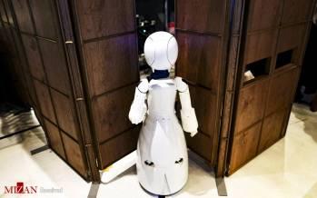 تصاویر کافه ربات در ژاپن,عکس هایی از کافه ربات در ژاپن,تصاویر کافه ربات در ژاپن