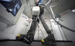 عکس های رونمایی تویوتا از یک ربات پوشیدنی برای کمک به افراد ناتوان و سالمند,تصاویر رونمایی تویوتا از یک ربات پوشیدنی برای کمک به افراد ناتوان و سالمند,رونمایی تویوتا از یک ربات پوشیدنی برای کمک به افراد ناتوان و سالمند
