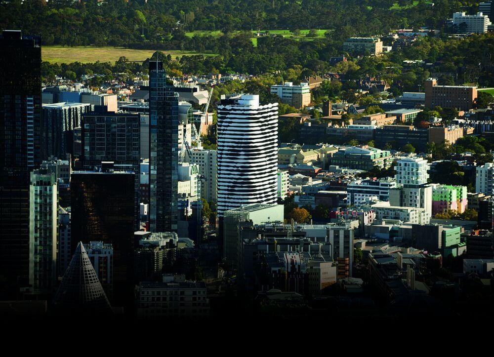 ساختمانی با نمای صورت در ملبورن که به یاد بومی های استرالیا طراحی شده