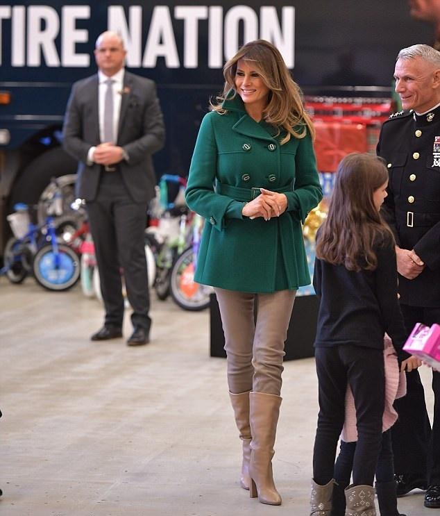 عکس های ملانیا ترامپ در پایگاه تفنگداران در واشنگتن,تصاویر ملانیا ترامپ در پایگاه تفنگداران در واشنگتن,عکس های ملانیا ترامپ