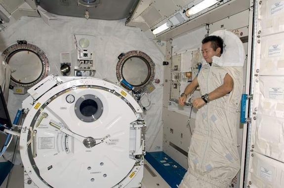 خوابیدن در فضا,اخبار علمی,خبرهای علمی,نجوم و فضا