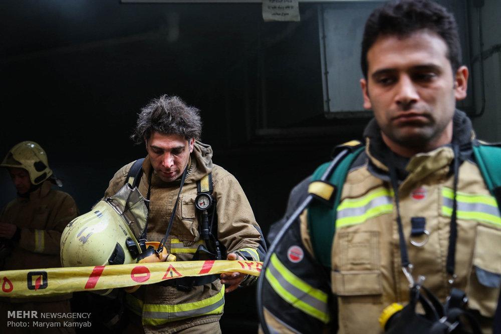 تصاویر آتش سوزی ساختمان برق,عکس های آتش سوزی ساختمان وزارت نیرو,تصاویر آتش سوزی ساختمان در میدان ولیعصر تهران