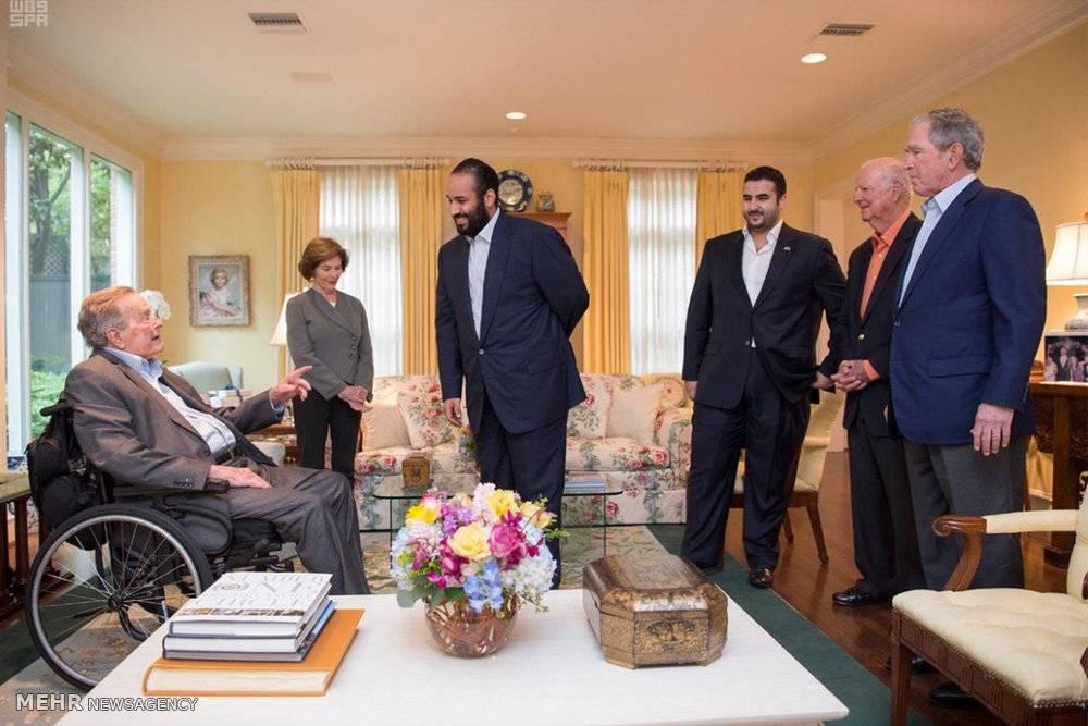 تصاویر دیدار بن سلمان با خانواده بوش,عکس های ملاقات ولیعهد عربستان با جورج بوش,تصاویردیدار محمد بن سلمان باجورج بوش پدر