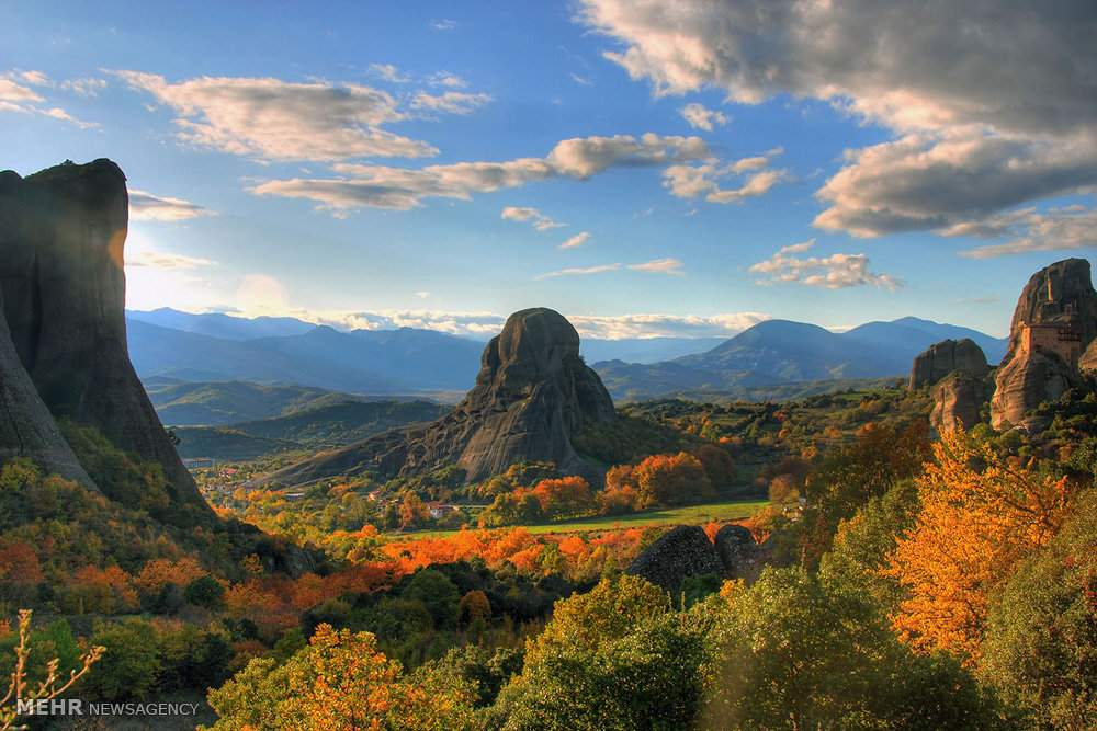 تصاویر زیبا از صومعه سرای یونان,گردشگری،تصاویر صومعه های یونان,عکس صومعه های صخره ای